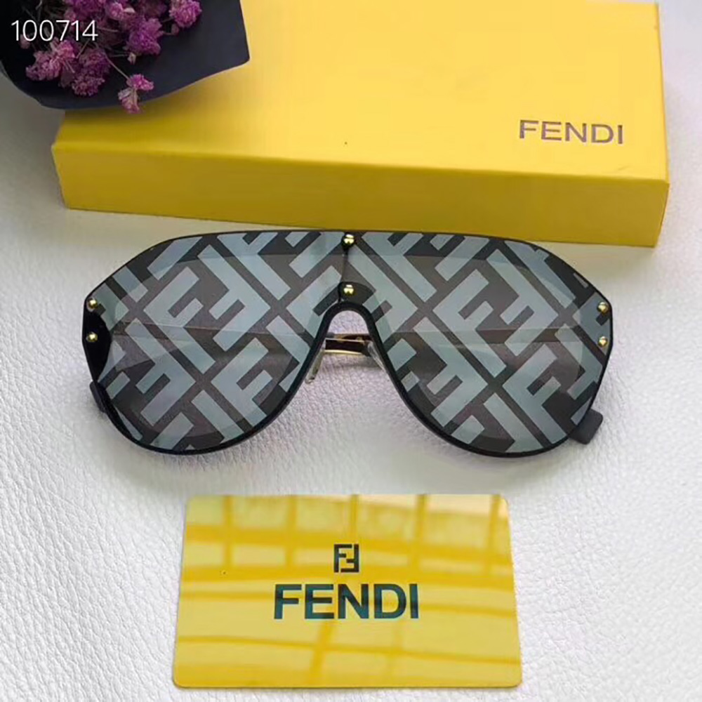Fendi Sunglasses in Black(M0039) - FashionBeast