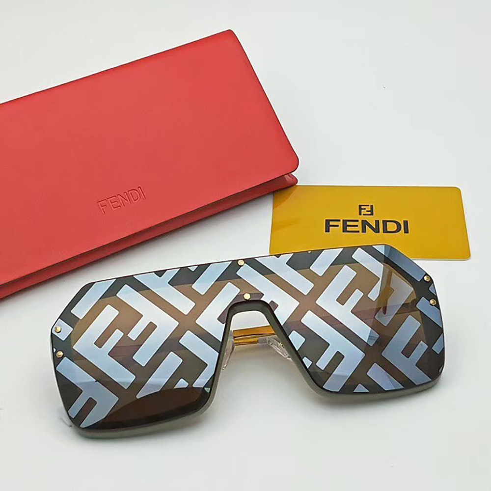 Fendi Sunglasses in Black(FF0366) - FashionBeast