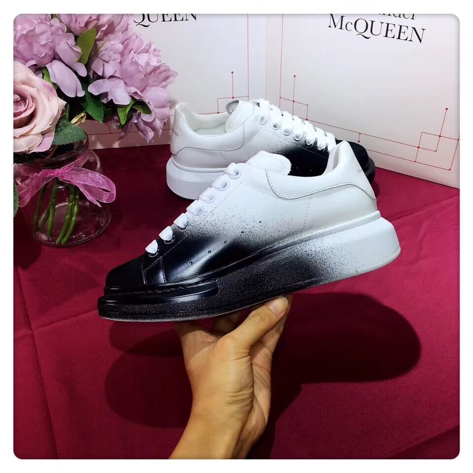 Alexander McQueen Two-Tone Leather Low-Top Sneakers in Black/White - FashionBeast